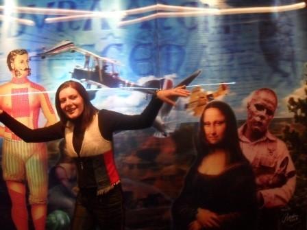 Baykam'?n galerisinde Mona Lisa ve ben.jpg