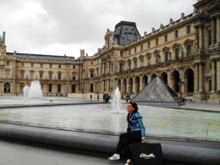 Louvre ve ben.jpg